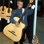 Gitarrenbau Christian Stoll: 2004 der legendäre Austibass kann auch von kleinen Menschen gespielt werden