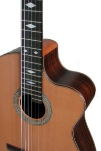 Gitarrenbau Christian Stoll: 2006: Nylonsaiten-Gitarre Alegra Custom mit Inlays im Griffbrett