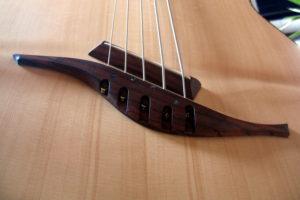 IQ Akustik-Bass Linkshänder 5-Saiter fanned frets - Steg