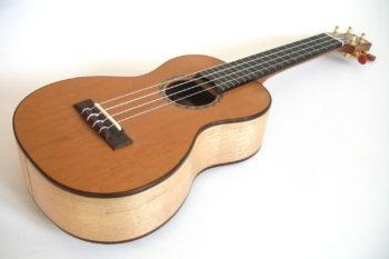 Konzert-Ukulele Walnuss Zeder Gitarrenbauer Christian stoll