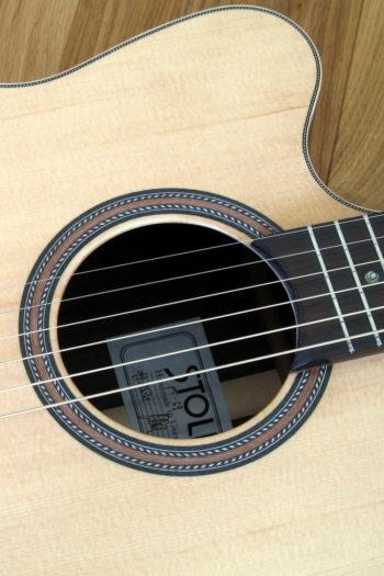 Linkshänder-Stahlsaiten-Gitarre mit Cutaway - Rosette