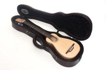 koffer artur benedykt reisegitarre klein pocket travel gitarrenbauer christian stoll