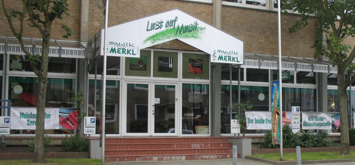 Musik von Merkl Hamburger Händler Stoll Gitarren
