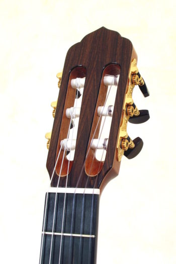 Nylonstring-Gitarre Alegra Hochglanz mit spitzem Cutaway und Abalone-Inlay - Kopf