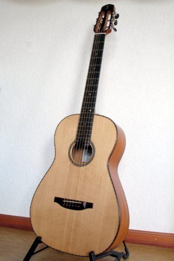 Gitarrenbau Christian Stoll: Ambition Parlour Mahagoni Sitkafichte