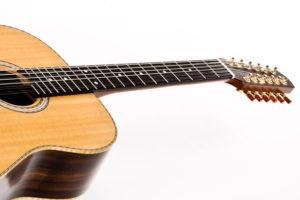 12-saitige Gitarre - Hals-Korpus-Übergang am 12. Bund