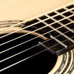 Gitarrenbau Christian Stoll: Stahlsaiten-Gitarre Ambition - Griffbrett und Schalloch