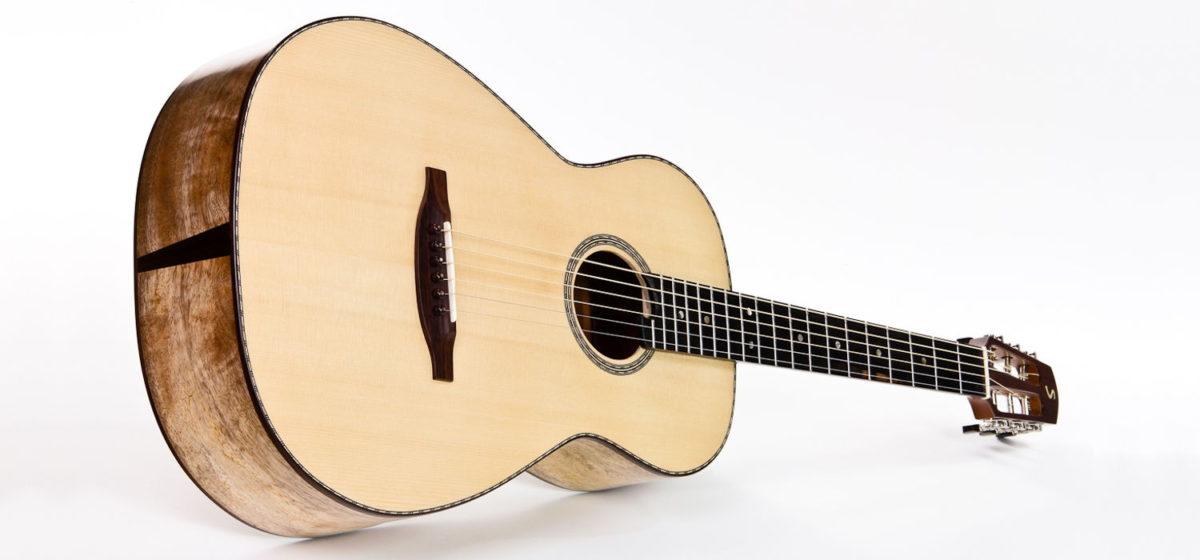 Gitarrenbau Christian Stoll: Western-Gitarre Ambition Parlour - Boden und Zargen aus spalted Mango