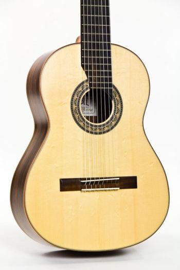 Gitarrenbau Christian Stoll: 8-saitige Konzertgitarre Classic Line I 8-string - frontal