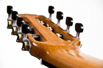 Gitarrenbau Christian Stoll: 8-saitige Konzertgitarre Classic Line I 8-string - Kopf Unterseite