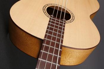 Gitarrenbauer Christian Stoll : Klassik-Bass Foto von Bass quarterly