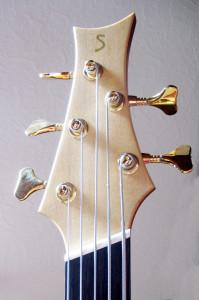 IQ Akustik-Bass Linkshänder 5-Saiter fanned frets - Kopf