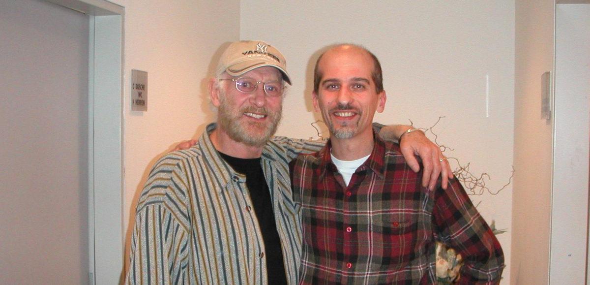 Tony Sheridan und Gitarrenbauer Christian Stoll 2003 Frankfurter Hof, Mainz