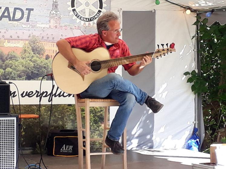 Torsten Turinsky auf Stoll 8-String