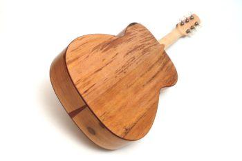 Fingerstyle Gitarre Apfelweinfass Volleiche Gitarrenbauer Stoll Boden