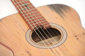 Fingerstyle Gitarre Apfelweinfass Volleiche Gitarrenbauer Stoll Schallloch