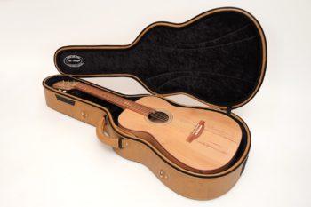 benedyct koffer Fingerstyle Gitarre Apfelweinfass Volleiche Gitarrenbauer Stoll
