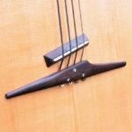 Gitarrenbau Christian Stoll: der legendaere Akustikbass 4-saiter fretless - neuer Steg