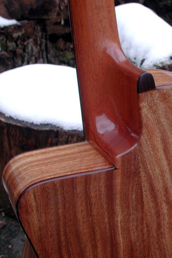 Nylonsaiten-Gitarre Alegra mit tiefem Cutaway ProCut
