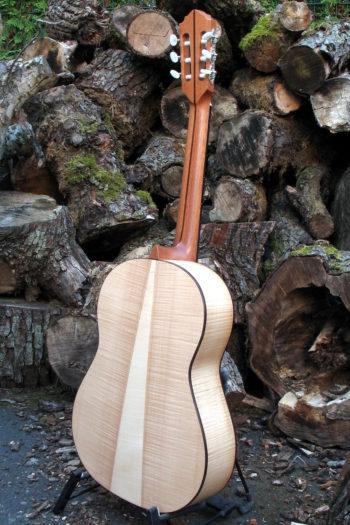 klassische Gitarre teil-bundiert Primera Custom - Boden