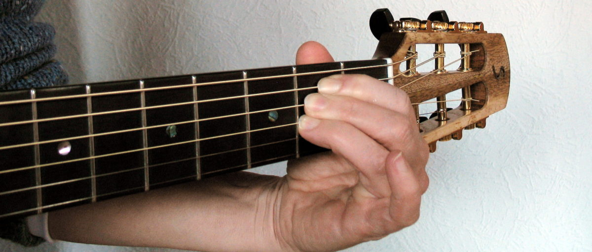 Gitarrenbau Christian Stoll: kleine Gitarre für kleine Hände