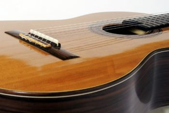 Konzertgitarre mit Cutaway Haselfichtendecke classic line I