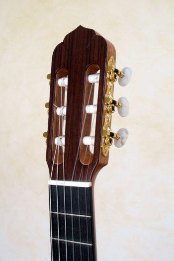 Kleine Nylonsaiten-Gitarre Mensur 55 cm Cutaway Hochglanz-Lackierung - Kopf