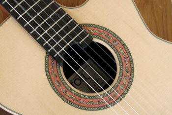 Kleine Nylonsaiten-Gitarre Mensur 55 cm Cutaway Hochglanz-Lackierung - Rosette