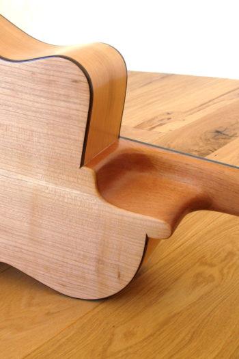 Nylonsaiten-Gitarre Alegra mit tiefergelegtem Cutaway proCut und Zargenschallloch