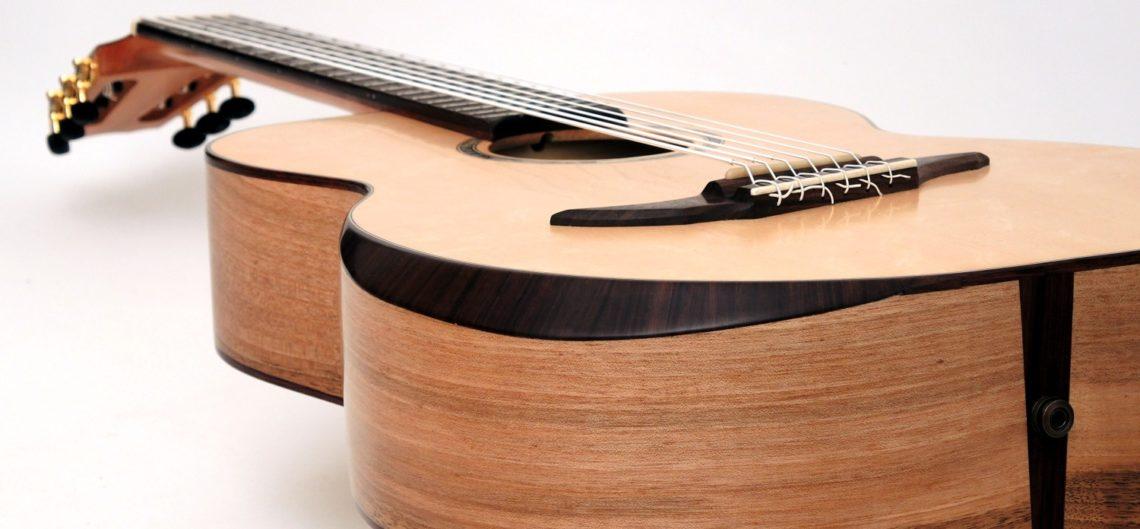 klassischer akustischer bass 6-saiter bevel armauflage