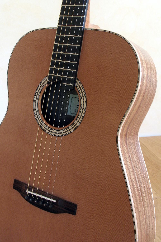 steelstring gitarre aus indischer walnuss mit fichtendecke. Black Bedroom Furniture Sets. Home Design Ideas