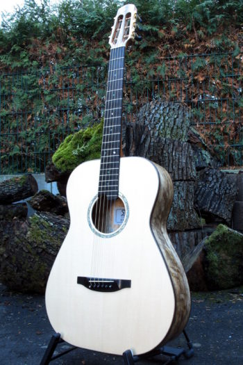 Stahlsaiten-Gitarre Ambition Fingerstyle Mensur 63 cm Korpus gestocktes Mango
