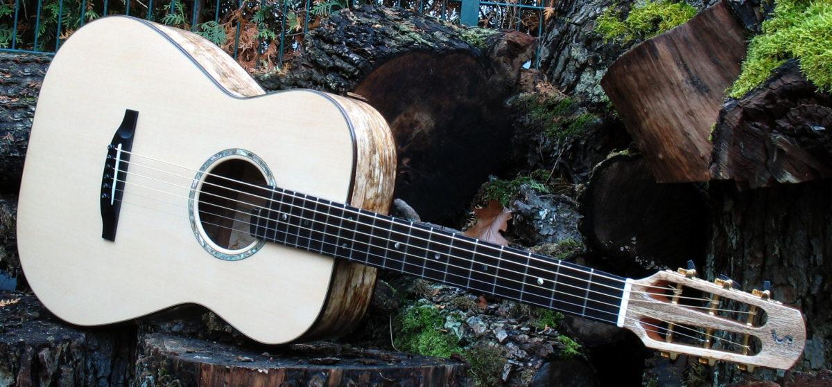 Gitarrenbau Christian Stoll: Stahlsaiten-Gitarre Ambition Fingerstyle Mensur 63 cm Korpus gestocktes Mango quer