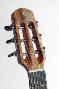 Gitarrenbau Christian Stoll: Stahlsaiten-Gitarre Ambition Parlor Mango - Kopf
