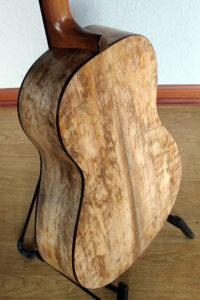 Gitarrenbau Christian Stoll: Stahlsaiten-Gitarre Ambition Parlor Mango - Zarge