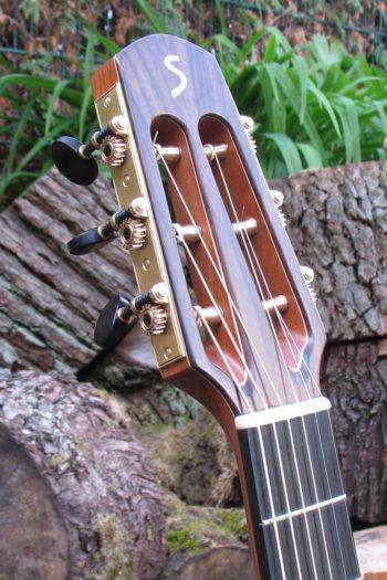 Gitarrenbau Christian Stoll: Stahlsaitengitarre Ambition Fingerstyle mit Cutaway und Scheller Mechaniken - Kopf
