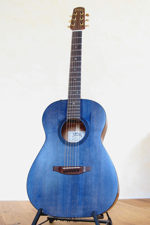 steelstring gitarre mit hals korpus bergang am 13 bund. Black Bedroom Furniture Sets. Home Design Ideas