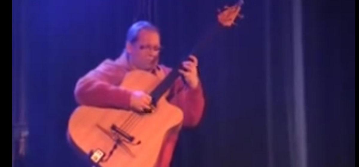 video Der legendäre Stoll Akustikbass Ralf Gauck - Roxanne