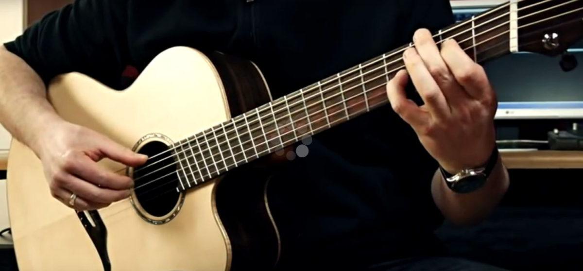 Gitarrenbau Christian Stoll: Jumbo Stahlsaiten-Gitarre IQ mit Fächerbünden, Armauflage und Zargenschallloch - Andreas Schulz
