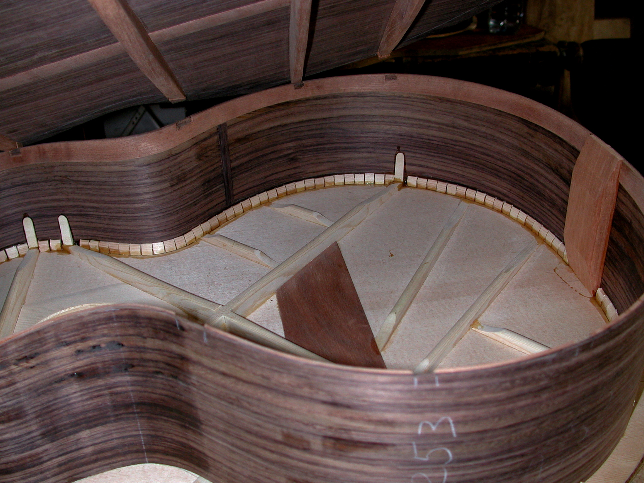 Back: The guitar is ready for glueing the back.