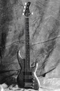 1987: JR Bass 5-string