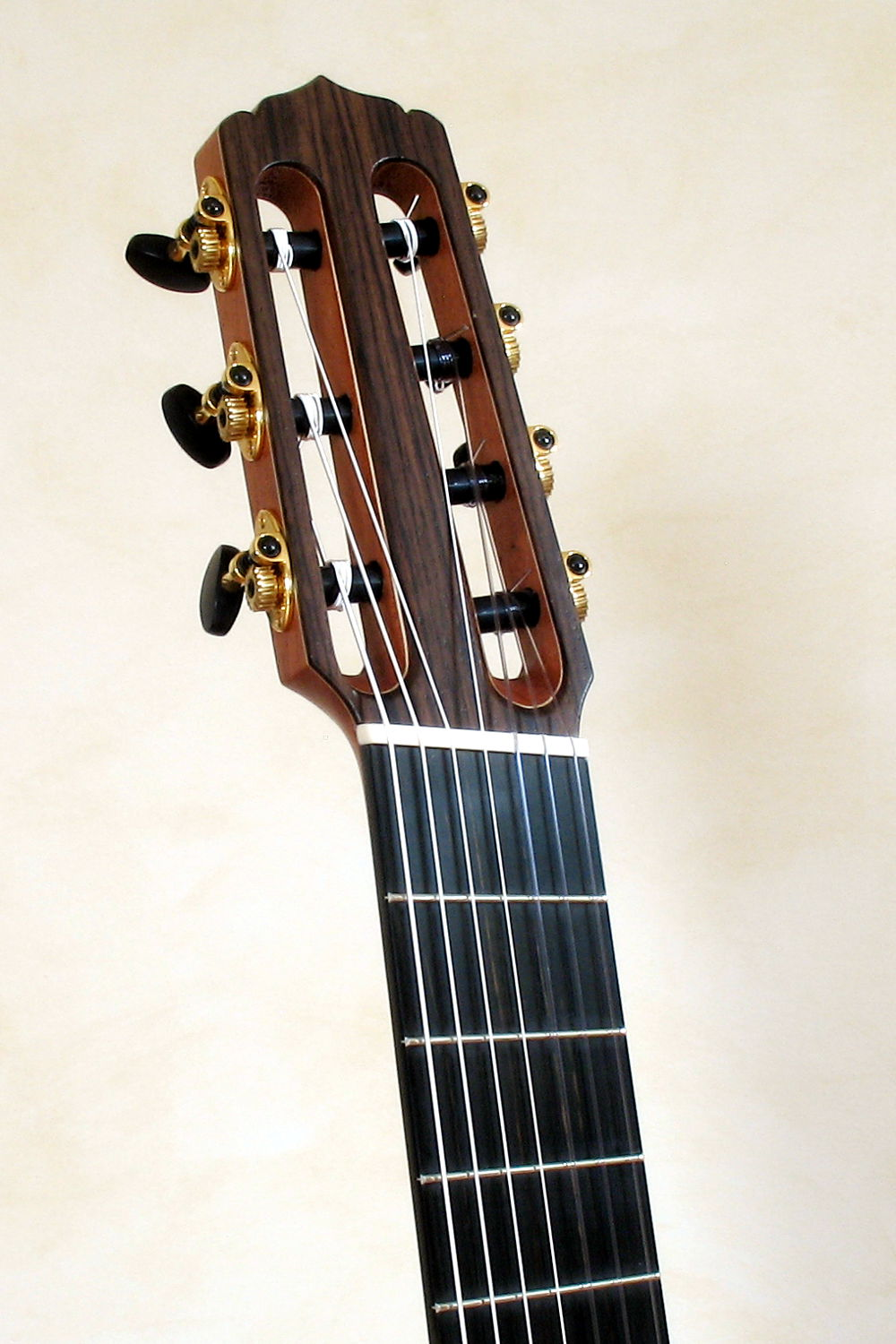 7 string classical guitar with fanned frets stoll guitars. Black Bedroom Furniture Sets. Home Design Ideas