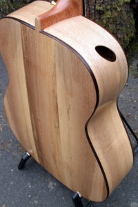 Steelstring Guitar Ambition Bariton - Walnut with side soundport - back with soundhole