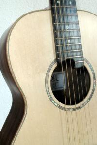 Parlor steelstring guitar- american walnut - rosette