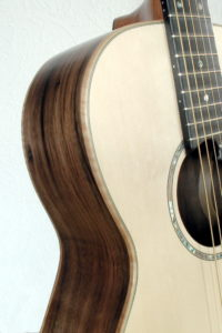 Parlor steelstring guitar- american walnut - side
