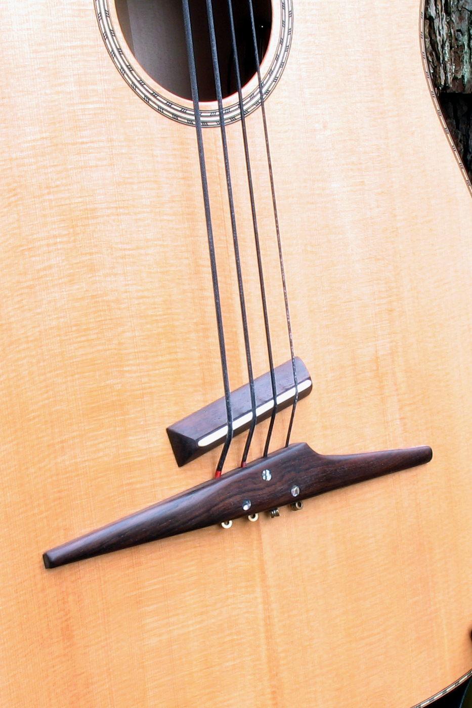 The legendary acoustic bass 4 string fretless