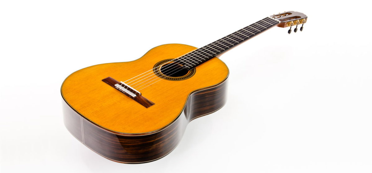 classical soloist guitar Custom makassar ebony luthier stoll front