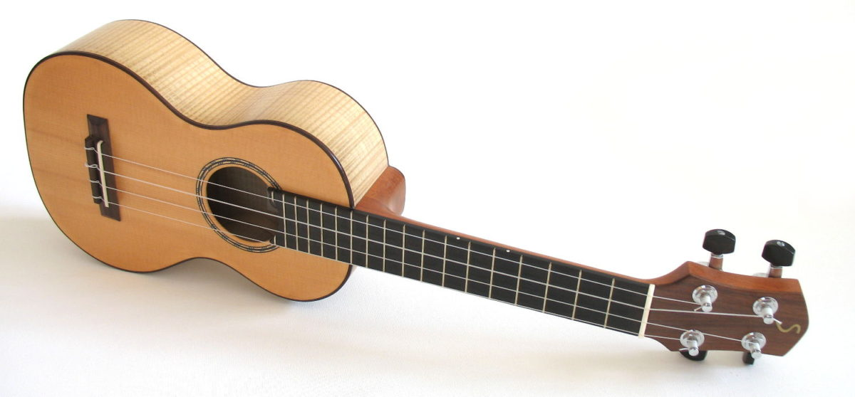 Concert Ukulele Ash Maple