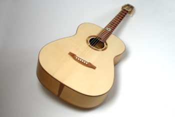 Fingerstyle steel string guitar Local Woods: Cherry Spruce Plum