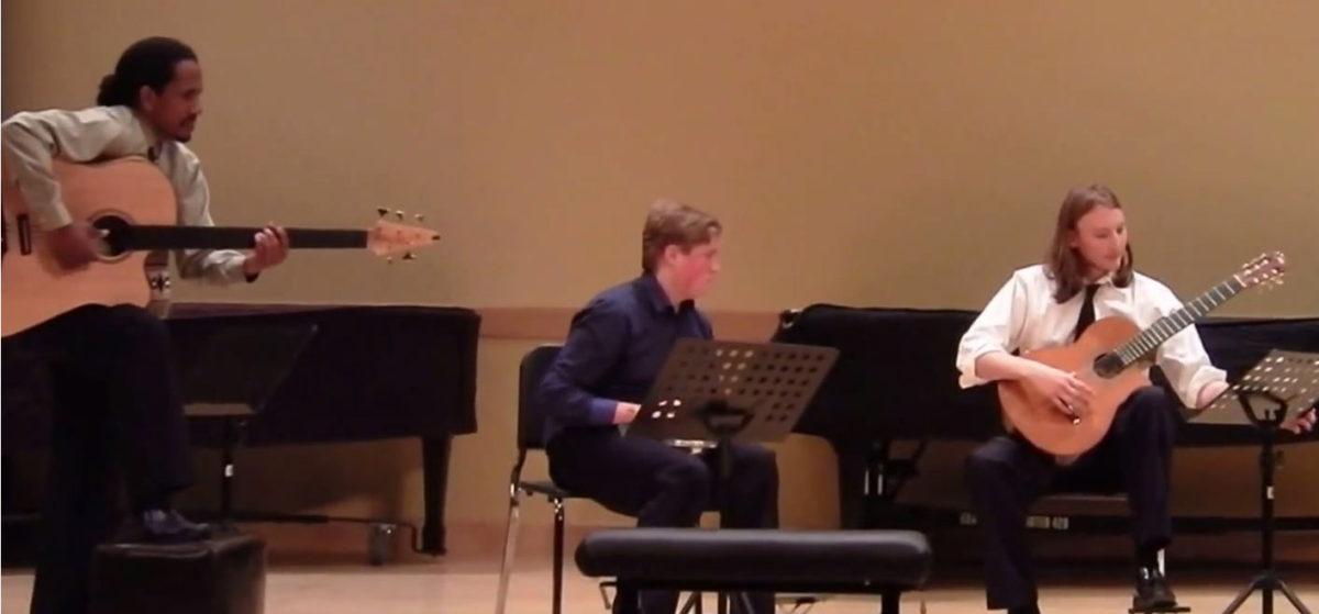 video acoustic bass Duquesne-University-Classical-Guitar-Ensemble_Paco-de-Lucia-Entre-Dos-Aguas